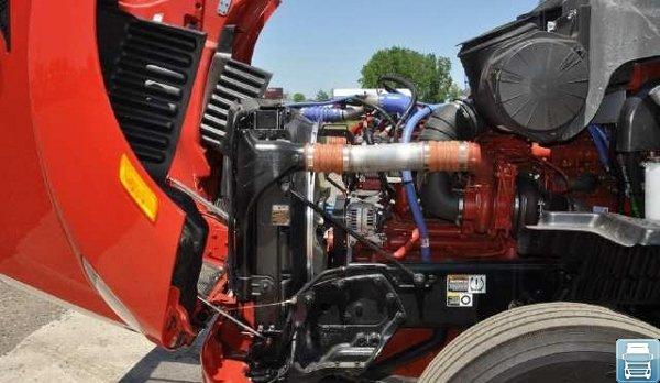 Петербилт 587 - двигатель
