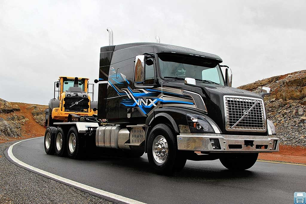 Сверхтяжёлые грузовики VOLVO серии VNX