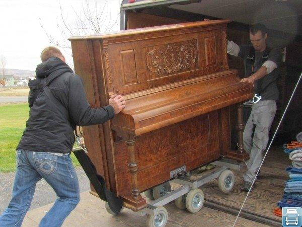 Погрузка пианино а автомобиль