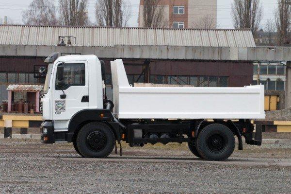 КрАЗ 5401С2, вид сбоку
