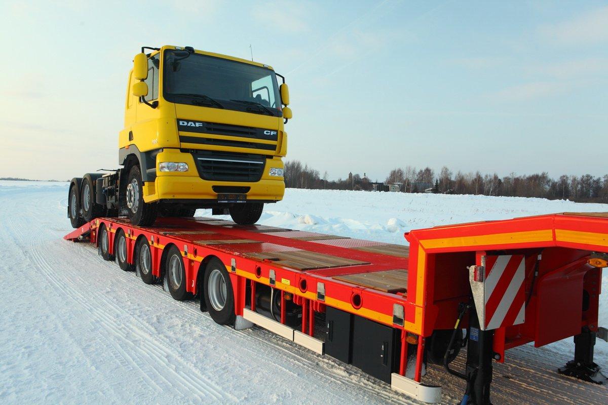 Перевозка грузов при помощи низкорамного трала