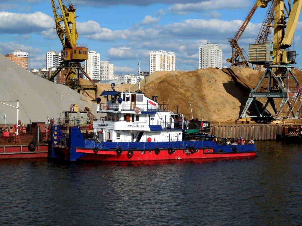 Перевозка грузов по России с помощью внутреннего водного транспорта