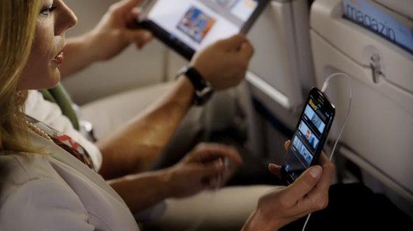 Запрет на телефоны в самолёте