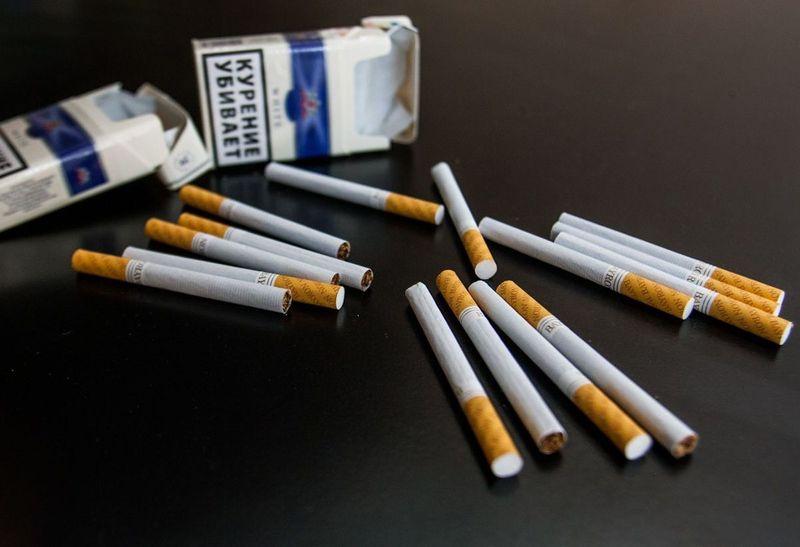 Можно ли провозить сигареты в самолёте: сколько взять в багаж и ручную кладь