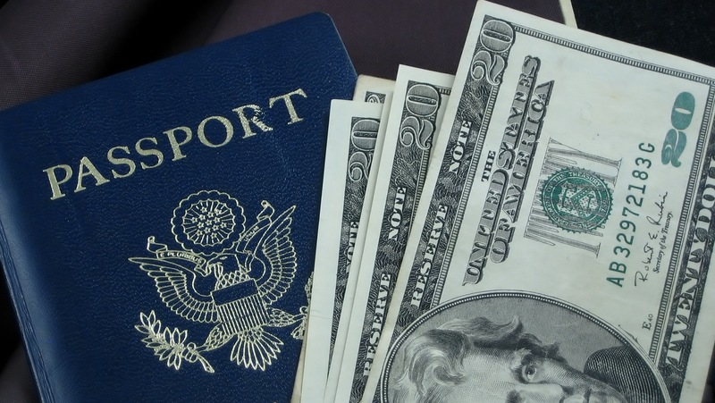 Сколько денег можно провозить в самолёте при перелётах по России и за рубеж
