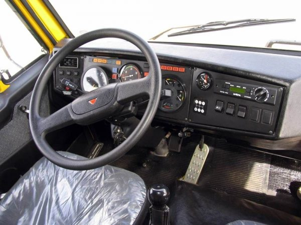 Внутреннее устройство кабины КамАЗа 4308