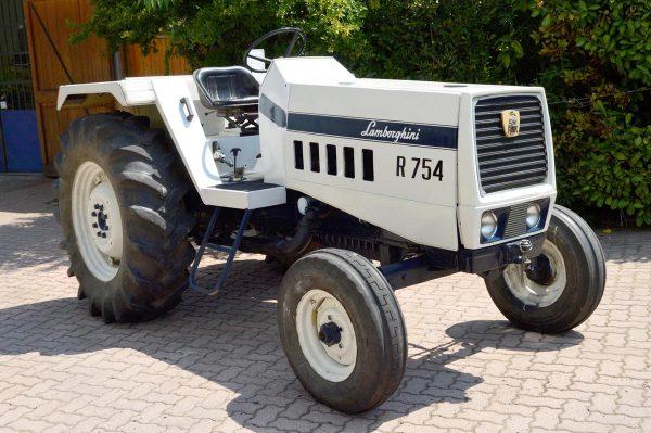 Модель трактора от «Ламборджини»