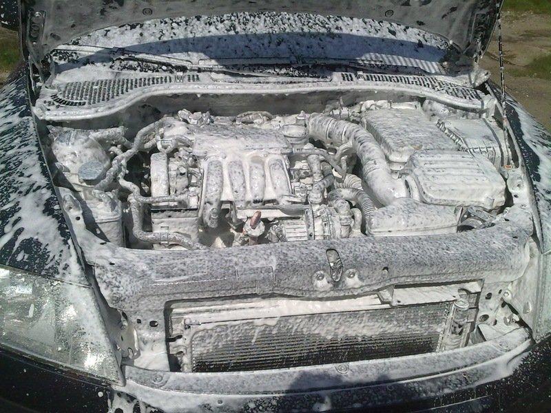 Как правильно мыть под капотом автомобиля: можно ли применять «Керхер»