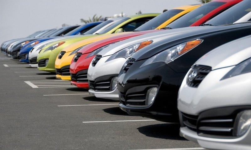 Какие машины стали активнее покупать в России: Обзор популярных моделей