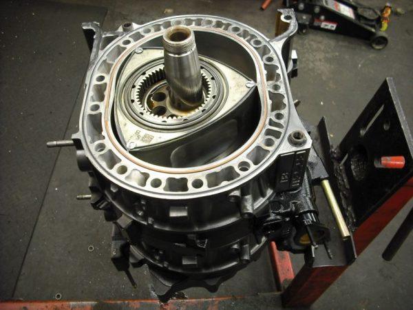 Роторный двигатель «Мазда rx8»