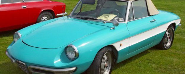 родстеры Fiat 124 Spider 1966 – 1979 годов выпуска,