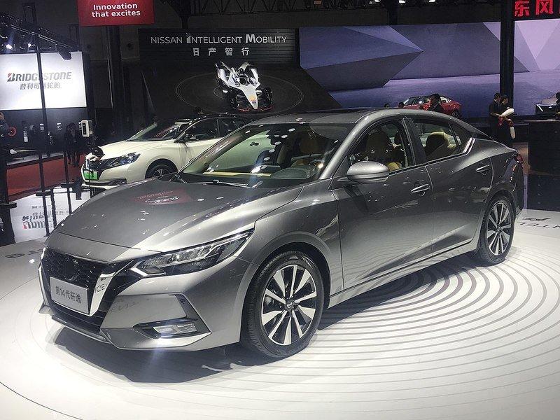 Nissan Sentra рестайлинг 2020 года получил механическую трансмиссию