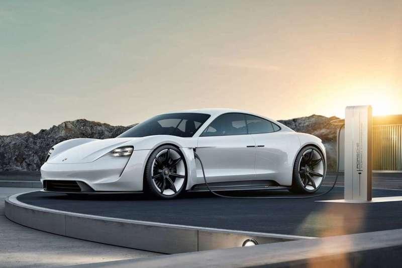 4 сентября в 3 городах мира увидят электромобиль Porsche Taycan