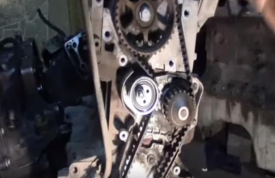 Двигатель Рено «Логан» с новым ременм ГРМ и натяжным роликом