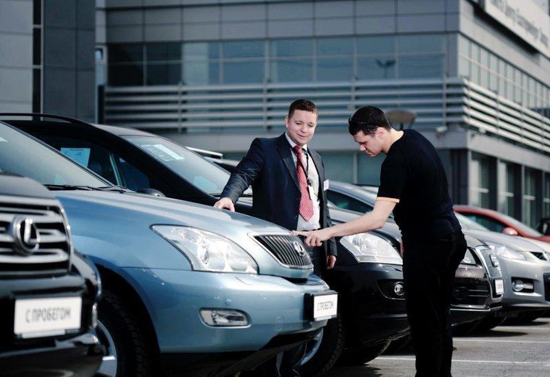 12 автопроизводителей подняли цены на свои модели