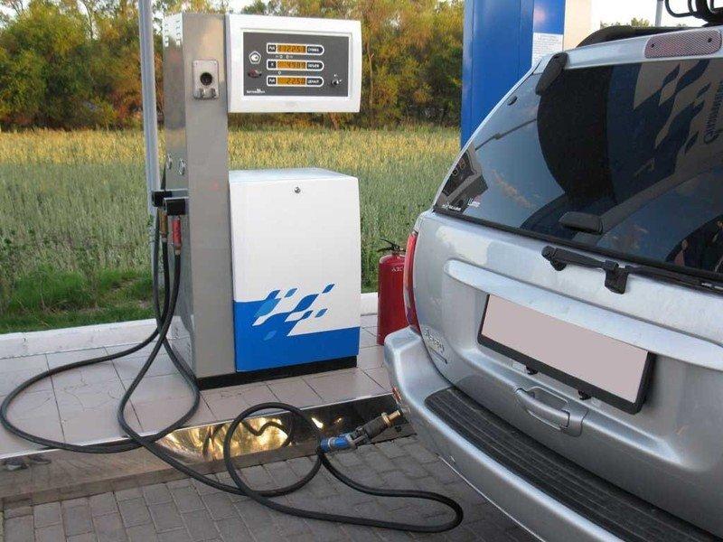 Рейтинг регионов России с самым доступным бензином
