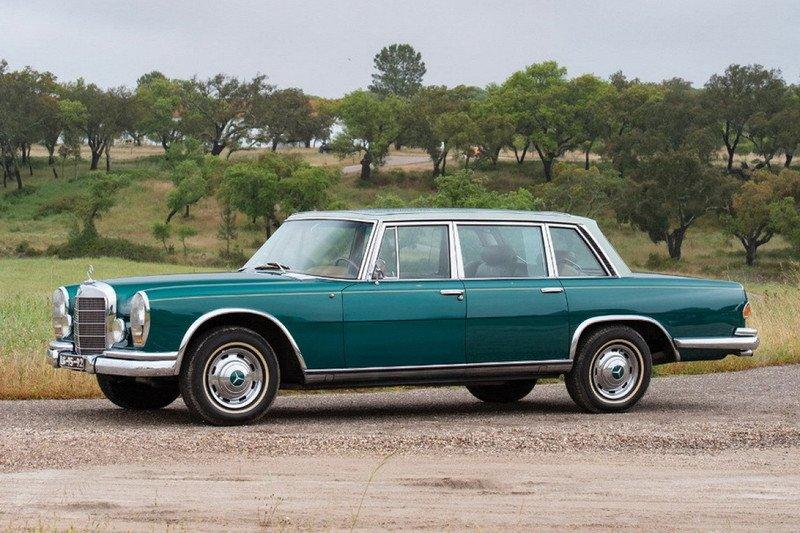 22 сентября пройдёт аукцион, на котором планируется продатьMercedes-Benz 600 со стеклянной крышей