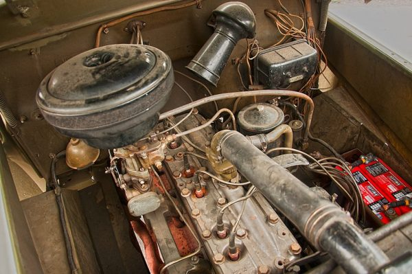 Моторный отсек Studebaker US 6