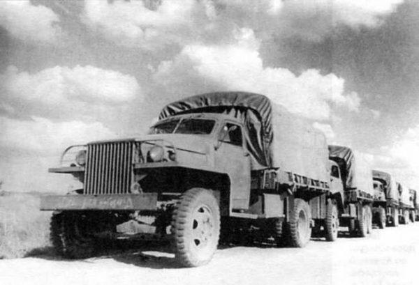 Колонна автомобилей Studebaker US 6