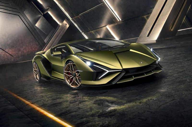 Lamborghini рассекретила информацию о гибридной моделиSian