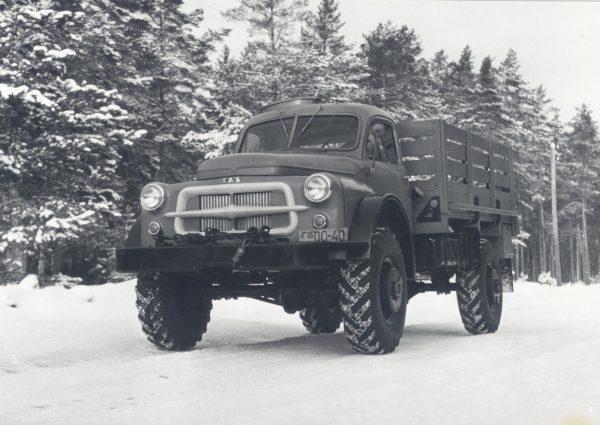 Прототип ГАЗ-66 с капотом