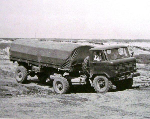 ГАЗ-66К — седелльный тягач с активным полуприцепом