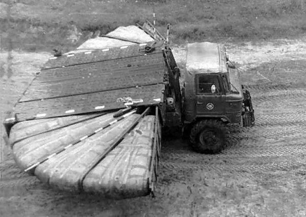Десантируемый понтонный парк ДПП-40 на базе ГАЗ-66
