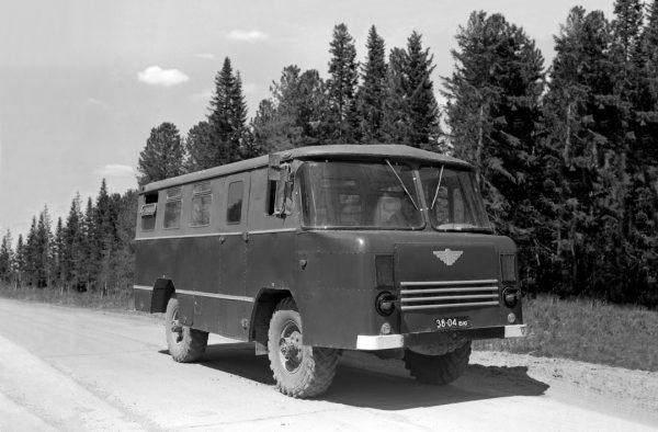 Армейский автобус АС-38 на базе ГАЗ-66 — фото