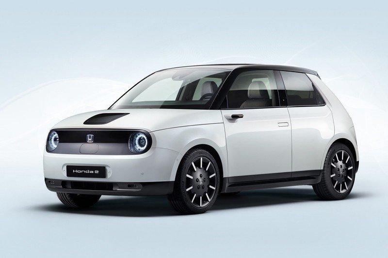 КомпанияHonda представила новый серийный электромобиль модели e