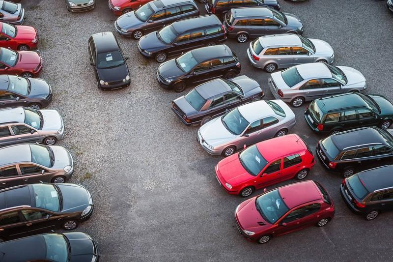 В сентябре 4 автопроизводителя подняли цены на свои машины