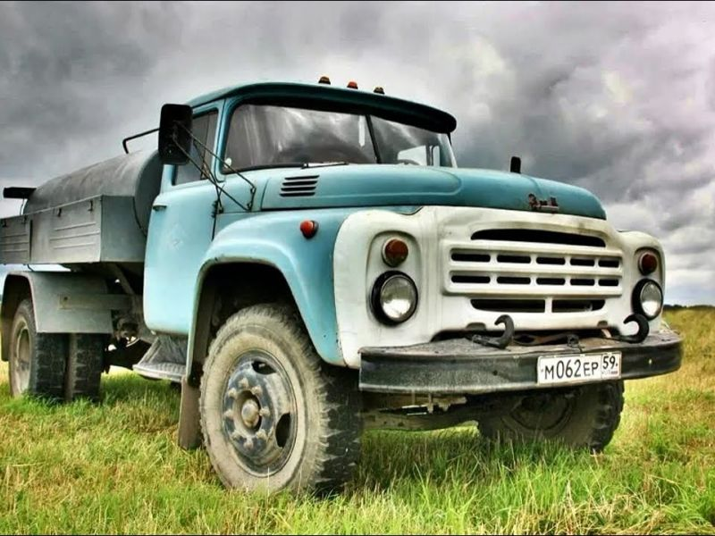 Легендарный ЗИЛ-130: обзор и технические характеристики советского среднетоннажного грузовика