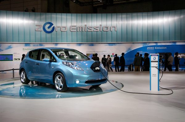 Nissan Leaf на выставке