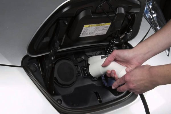 Nissan Leaf порты зарядки