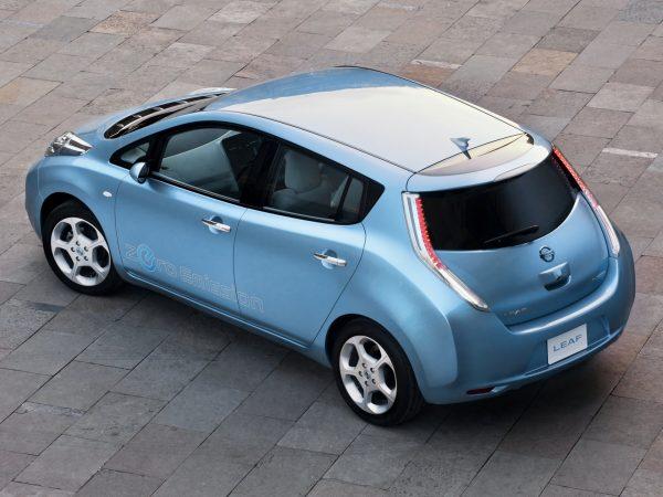 Nissan Leaf в городе