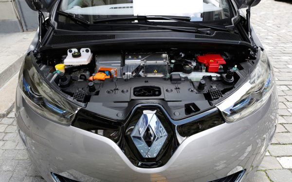 Подкапотное пространство Renault Zoe