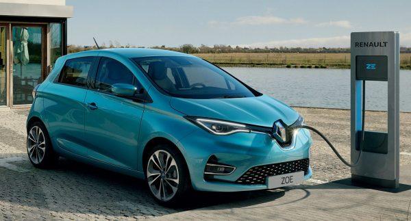 Быстрая зарядка Renault Zoe на станции