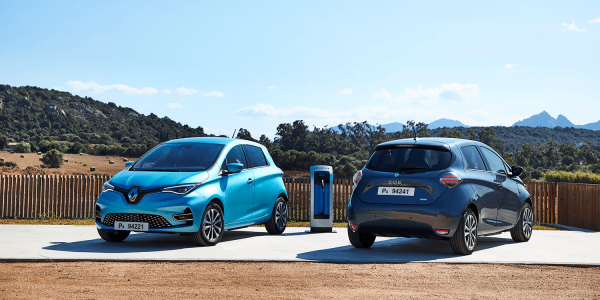 Renault Zoe на электрозаправке