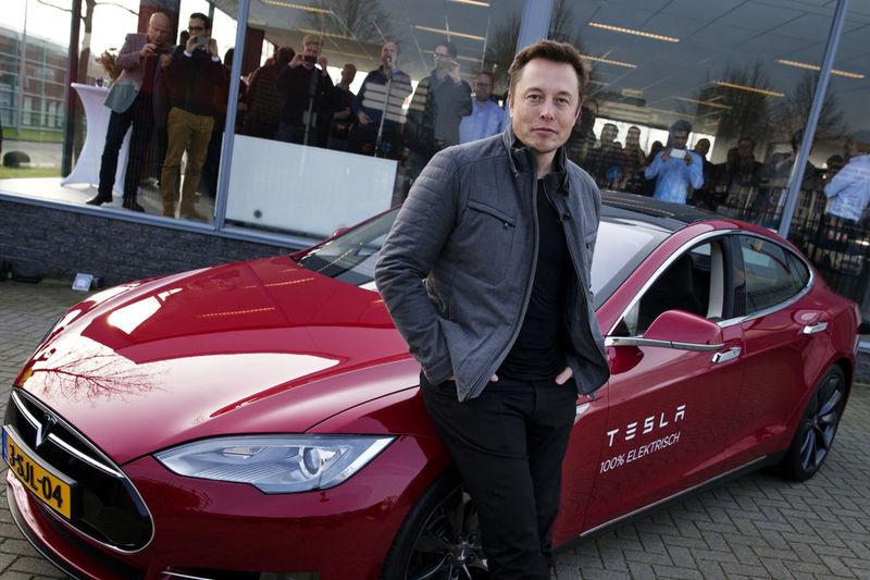 Илон Маск — на каких автомобилях ездит создатель всемирно известной Tesla
