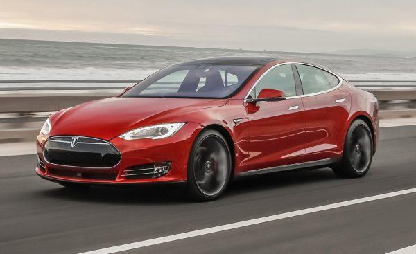 Tesla Model S Илона Маска