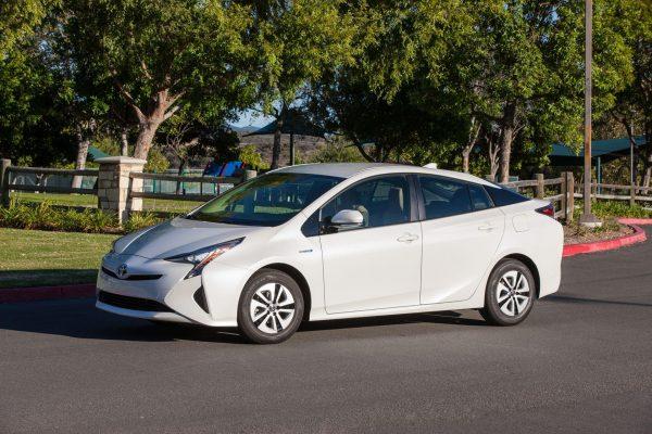 Гибридный Toyota Prius