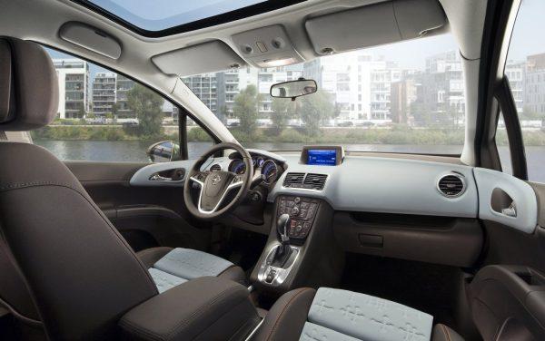 Opel Meriva салон