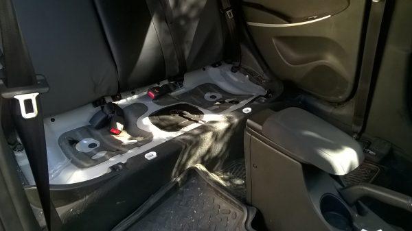 Салон Hyundai Solaris со снятым задним сиденьем
