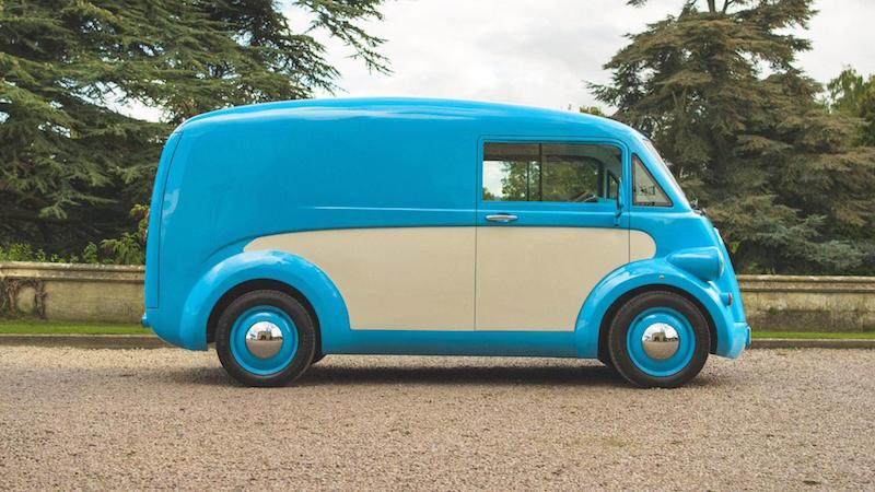 Новый электрофургон получил внешность модели, которую выпустили 70 лет назад
