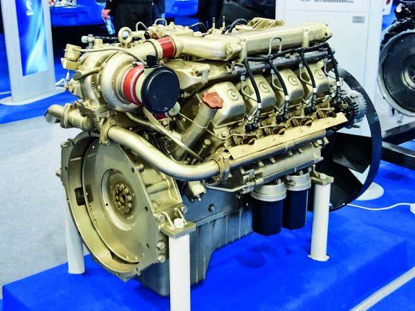 Двигатель на стенде «Камаз» - фото с выставки