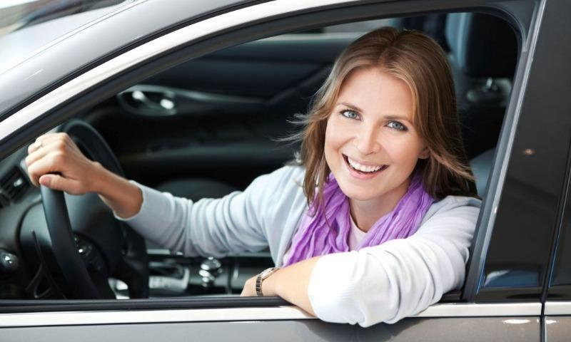 Любимчики женщин: 8 машин, которые чаще остальных выбирают для себя автоледи в России