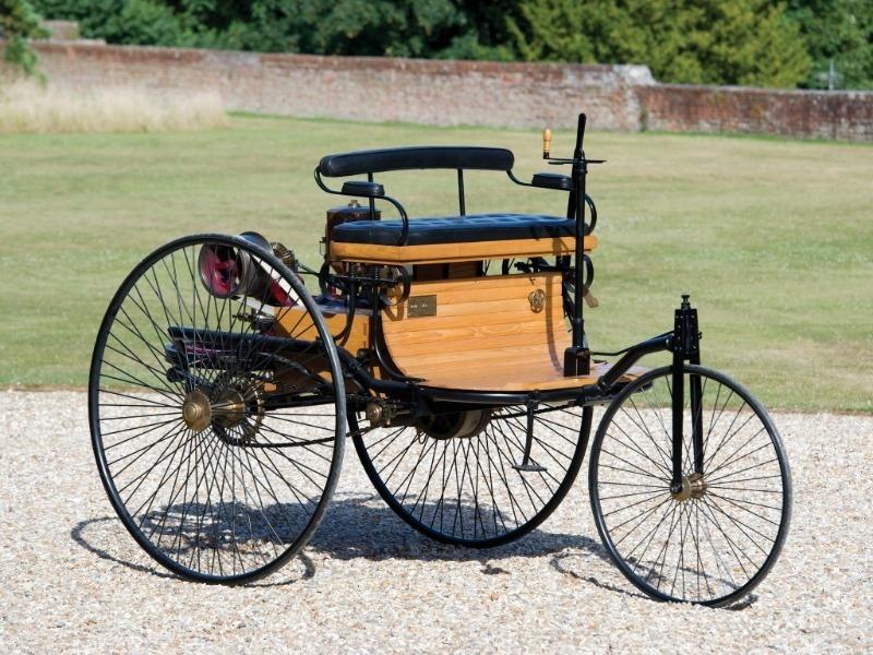 Мотор вместо багажника: 10 авто с такой конструкцией — от самых древних до новинок