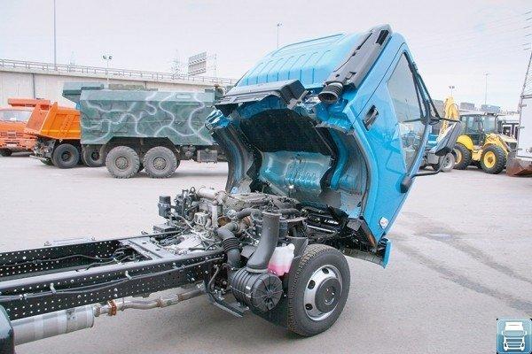 Hyundai HD 78 с откинутой кабиной